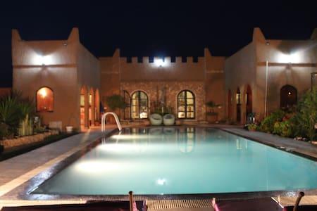 Authentique Riad Berbère au confort exceptionnel - Casa de camp