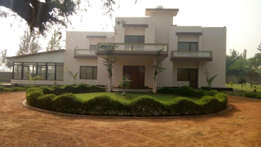 Aranya Greens- Tranquil Getaway - Gurgaon - Willa