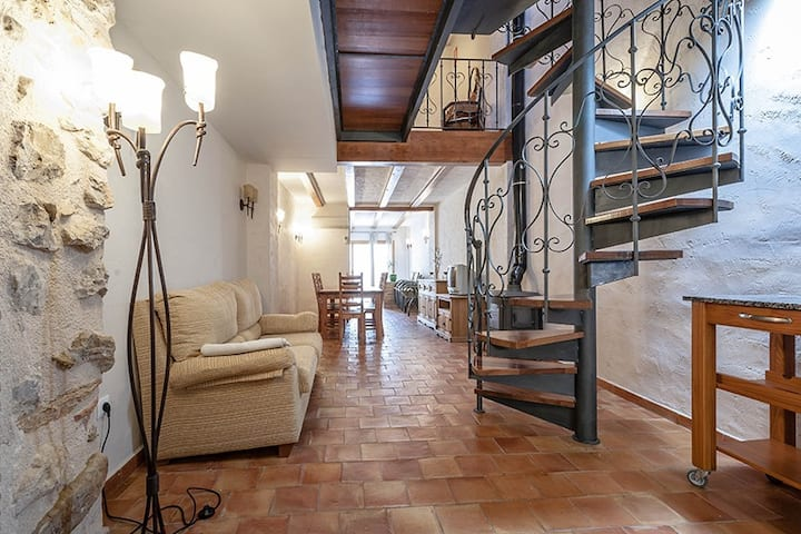 Twin Room in Spanish village Townhouse