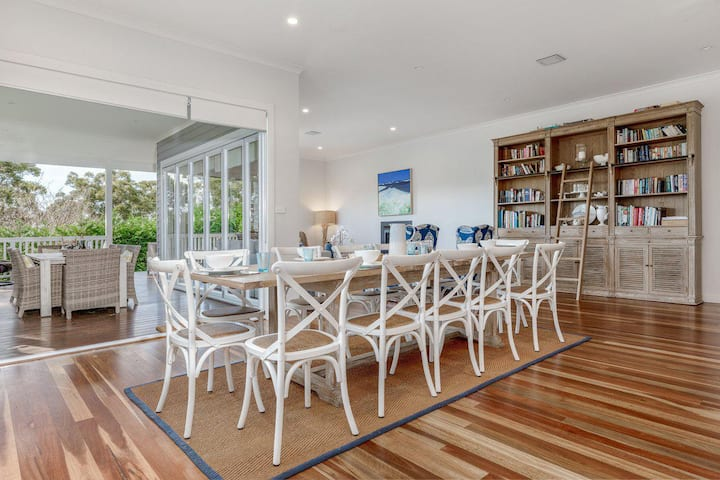 Sea Breeze :: Jervis Bay Rentals