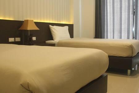 Thainawan Hotel