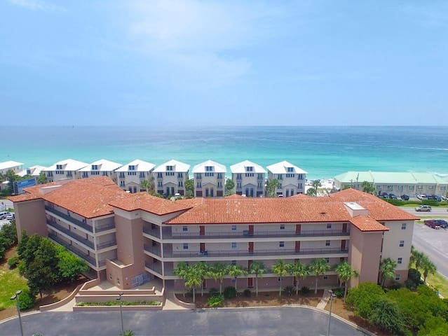Pet-friendly Emerald Waters by the beach #204