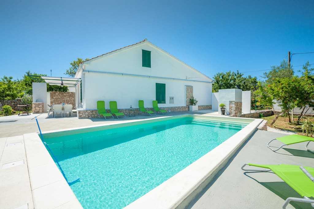 Lubba Holiday Home With Private Swimming Pool Maisons Louer Preko Croatie
