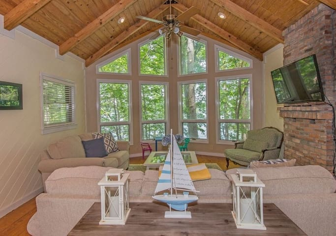 Private Lakefront Oconee Getaway