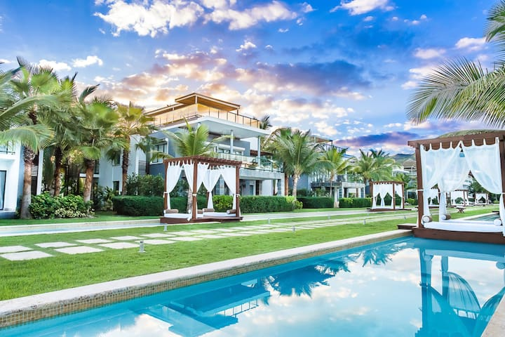 Two Bedroom Villa with Rooftop in Luxury Hotel