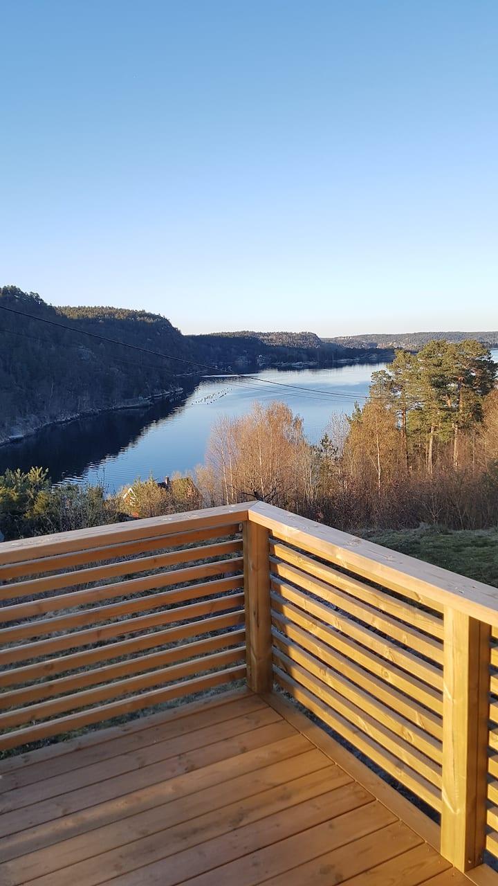 Risør, Sundsåsen with boat