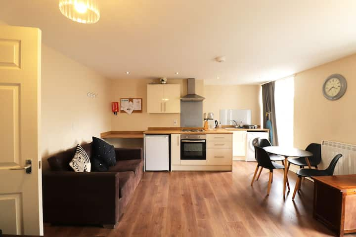 Bright Apartment in Doncaster near Keepmoat Stadium