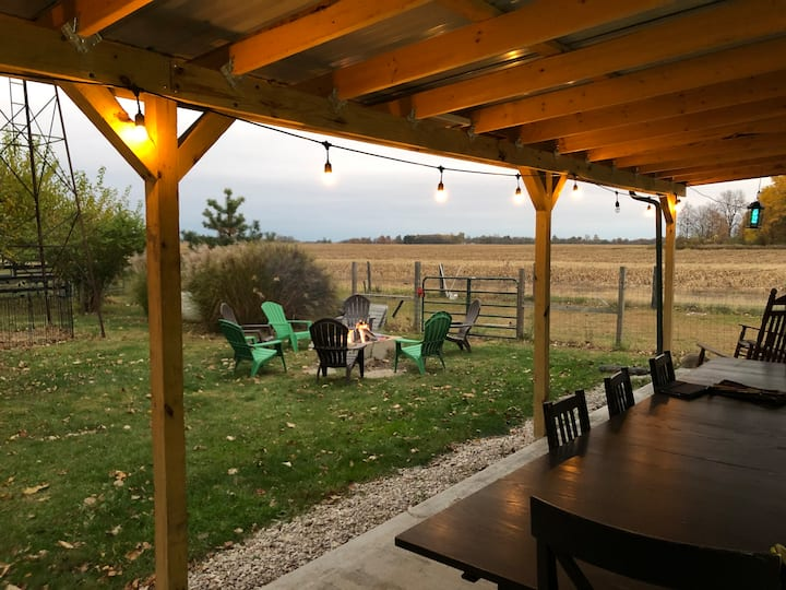 Entire Guest Home On A Farm (close to Grand Park)