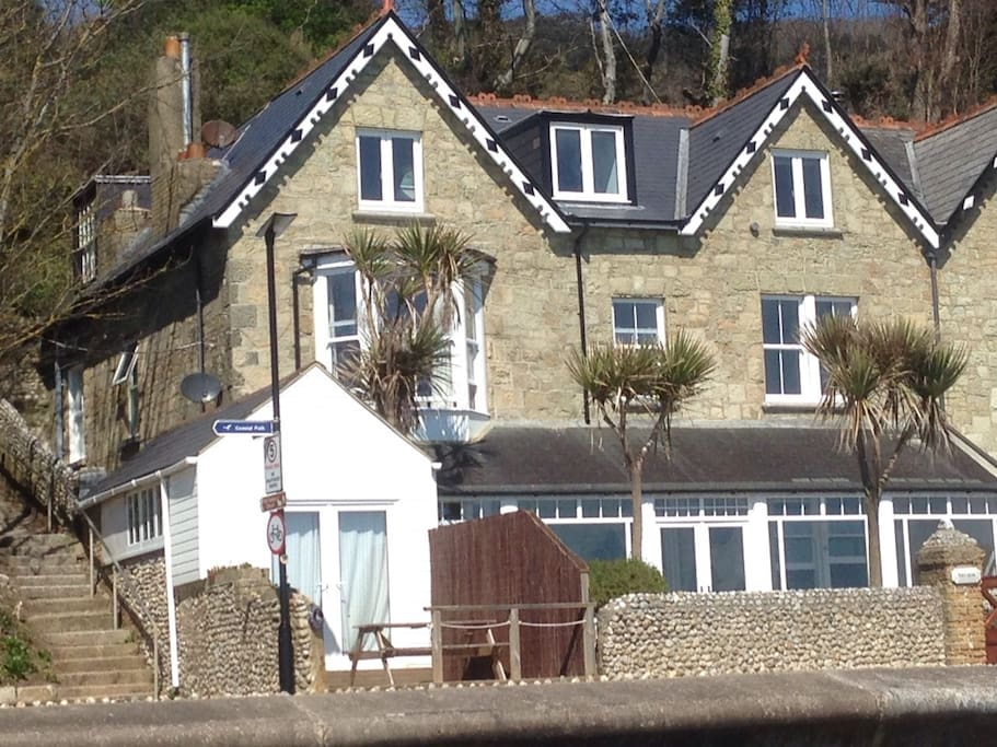 Beach Holme ( ground and first floor but feels like an entire house!), Sea Brae (top floor with a separate entrance from cliff side) and The Boathouse.