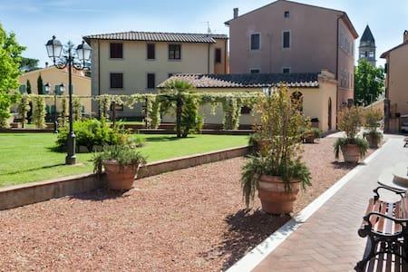 Casciana Apartments 4 - Casciana Terme - Apartament