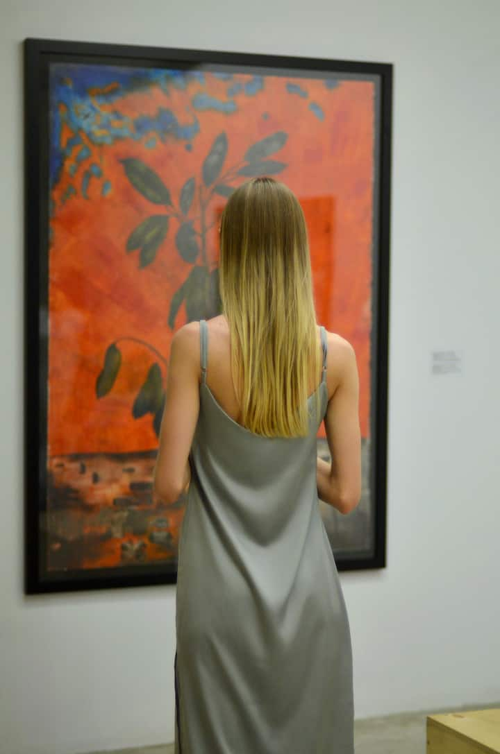 Guest watching the art