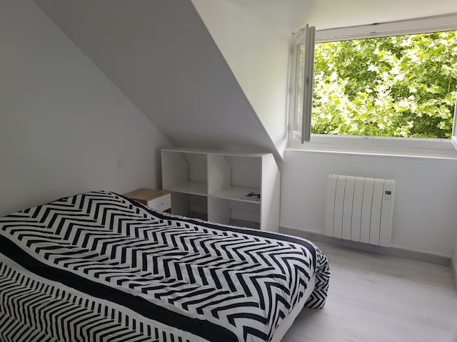 Room in Lourdes near sanctuary & train station