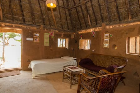 Peaceful Mud House Stay - Bangalore - Bed & Breakfast