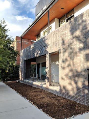 Private Modern Studio in the Heart of Denver