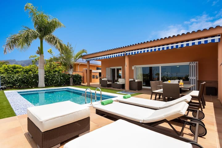 Gorgeous Luxury Villa with Private Pool Playa de la Arena