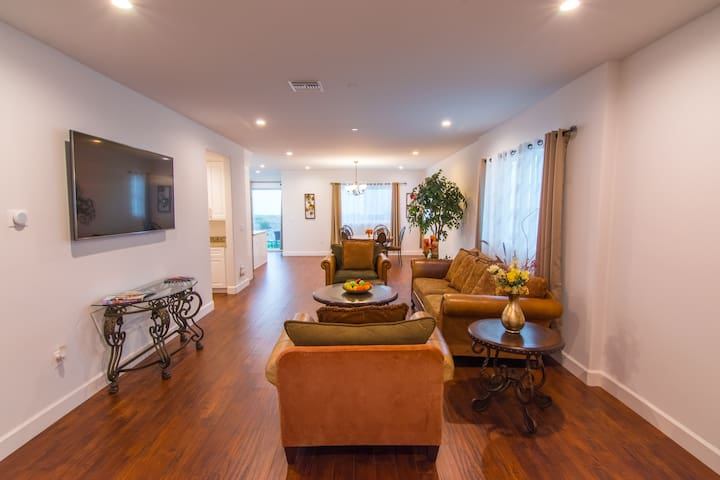 Brand New Luxury Home - 2700 SQFT 4 Bed 3 Bath