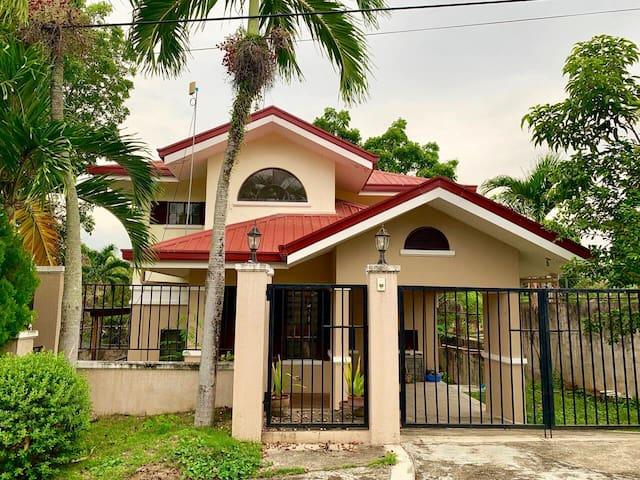 Cebu Lovely Serene Home