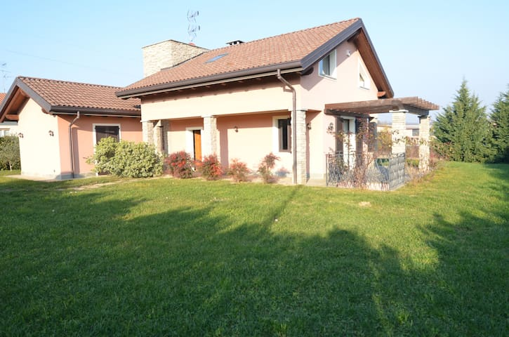 Country house  for golfers & families - Agrate Conturbia - Vila