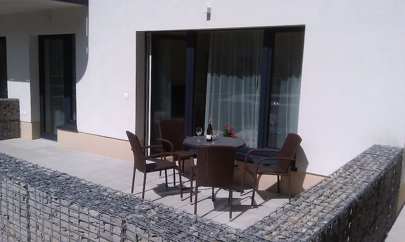 Sunny, fully furnished Studio type with terrace