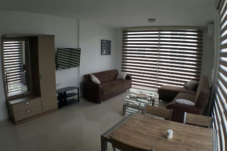 New Fabulous Flat In The Heart Of Kyrenia(Girne) - Girne - 아파트