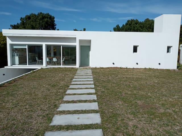 Casa en Costa Esmeralda.  Cómoda y moderna