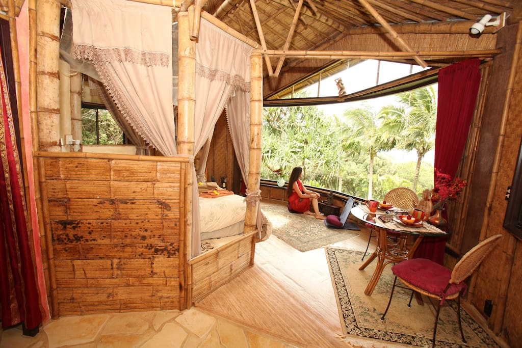 Bamboo Temple, views to dream, walk to waterfall! - Cabins for Rent in Haiku/Huelo, Hawaii, United States