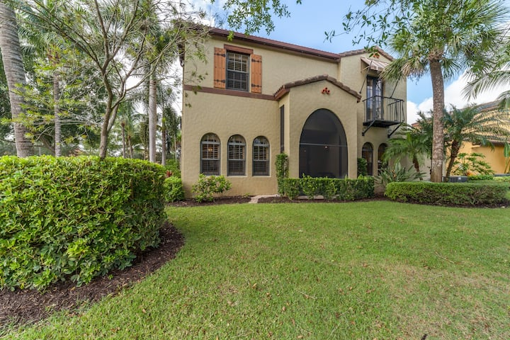 3 bed/3 bath luxury Waterfront home in Paseo!