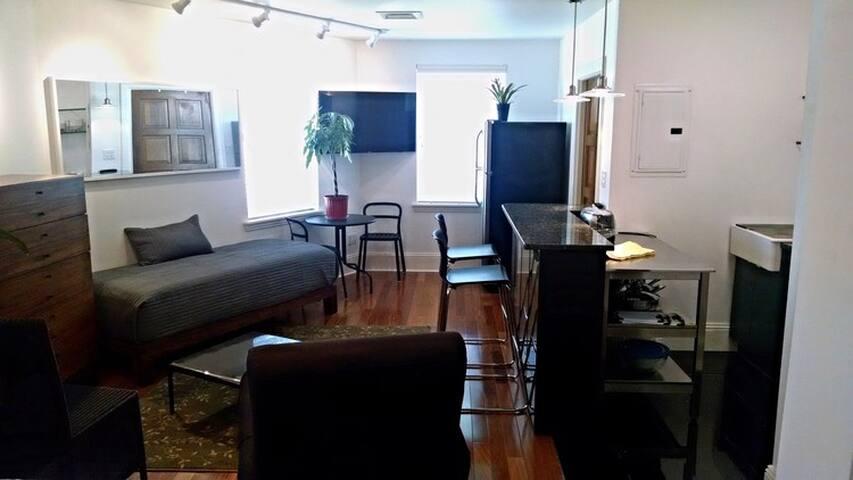 Pittsburgh Banking Inn/ The Studio #1