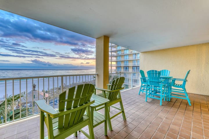 Upscale, Gulf front condo w/ shared pools, sauna, fitness room, & beach access