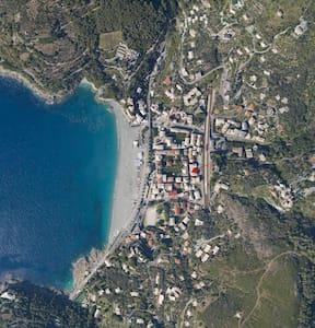 2 camere e cucina a 2 passi dal mar - Bonassola - Huoneisto