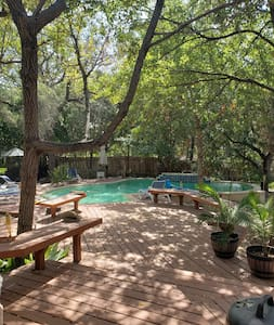 Luxury oasis close to Austin