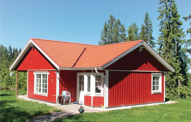 Holiday cottage with 3 bedrooms on 80 m² in Älvängen