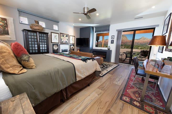 Glorious Red Rock Views, Pvt Open Suite #21