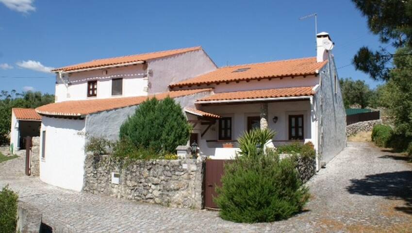 Charming Villa with pool near Fátima