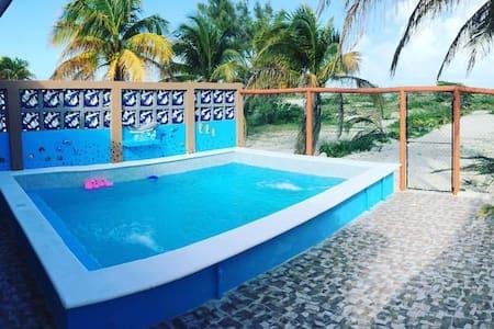 Hermosa casa frente al mar en Sisal, Yucatan . - Sisal