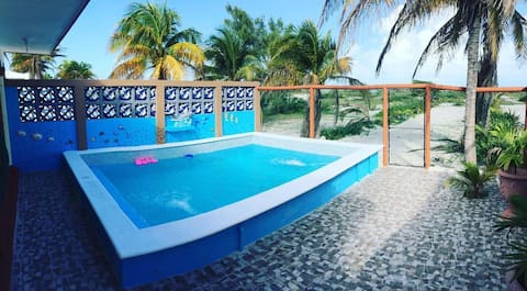 Hermosa casa frente al mar en Sisal, Yucatan, WiFi