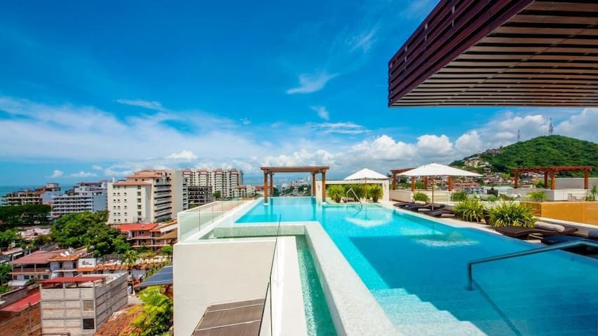V399 Unbeatable location 1 bedroom! summer SALE! - Puerto Vallarta - Apartment