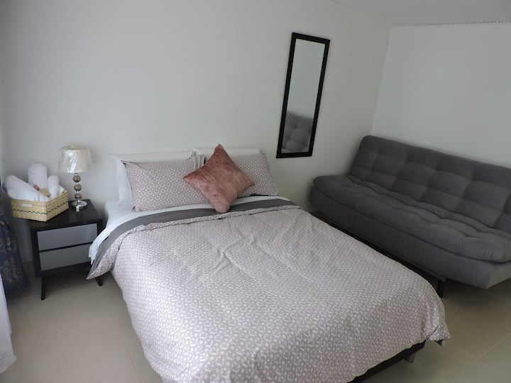 Acogedora habitación ideal  para largas estancias