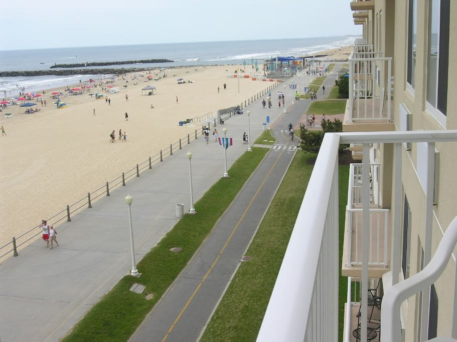 Oceanfront 2 Bedroom Condo Spectacular Views Condominiums For Rent In Virginia Beach