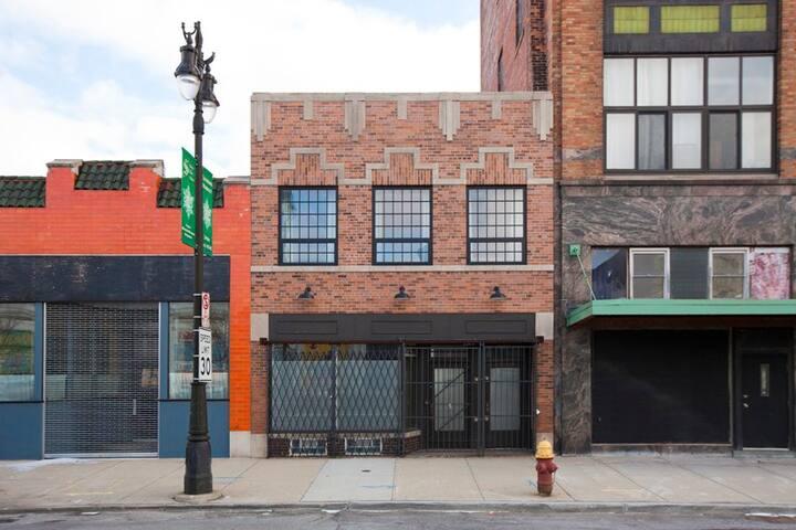 Detroit Loft Apartment with Rooftop Deck - Detroit - Apartment