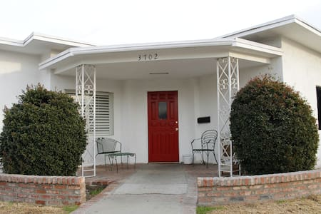 6-3 bed Male Dorm in Cimarron House - Los Angeles