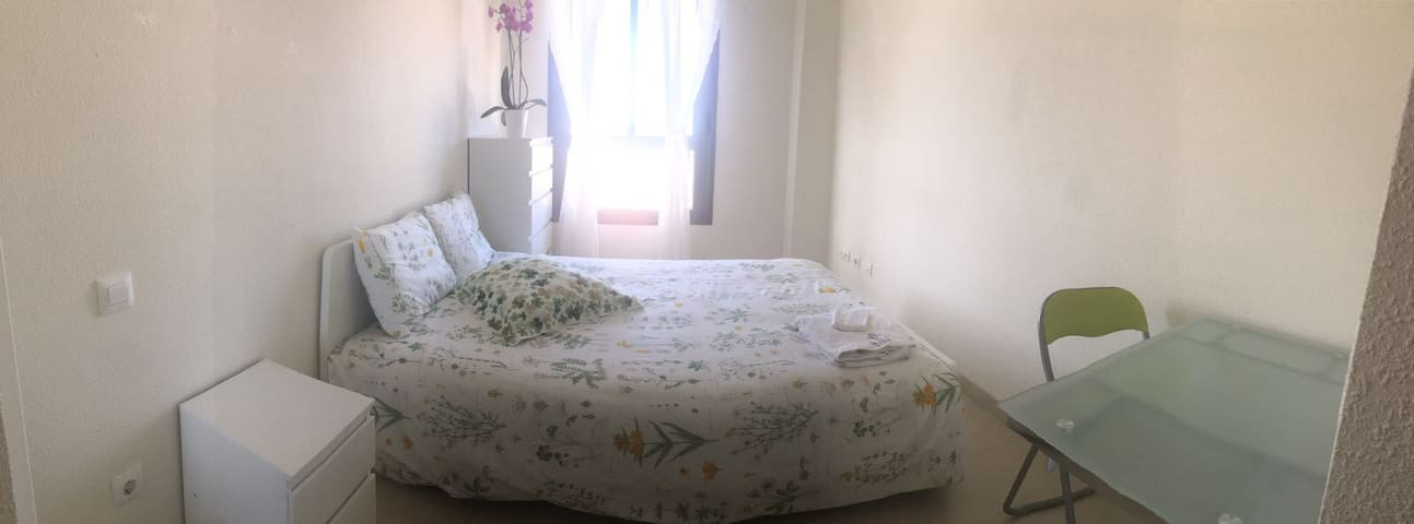 Double room 3 min taxi to beach - Las Palmas de Gran Canaria - Appartement