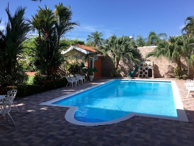 Jardin Tropical, Col Naranjal (Room 2) - La Ceiba - Huis