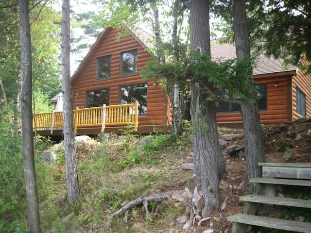 Waterfront Log Cabin - Hammond - House