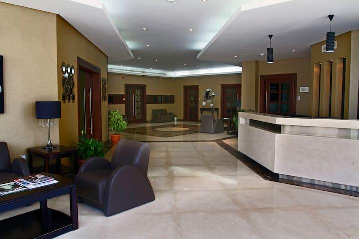 Lobby & reception area