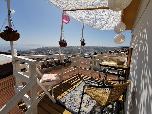 Mar y  Poesia ,con terraza al mar