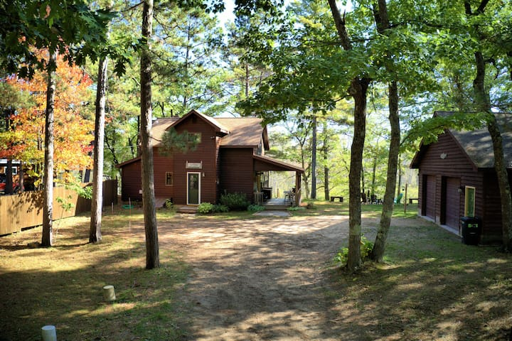 Superior River Cabin - 1 mile south of Trail 418