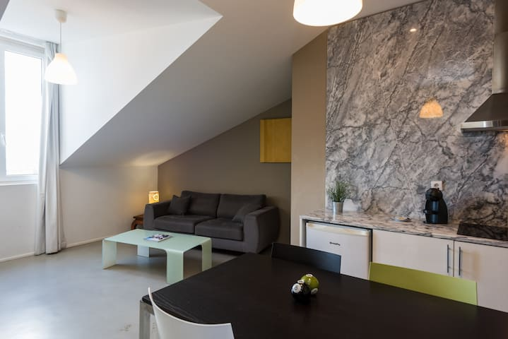 Alfama - One Bedroom Apartment with River View