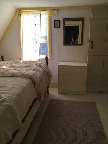 Small upstairs bedroom with trundle bed
