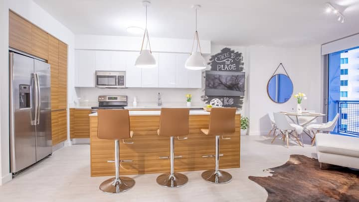 Professionally maintained apt   1BR in Miami